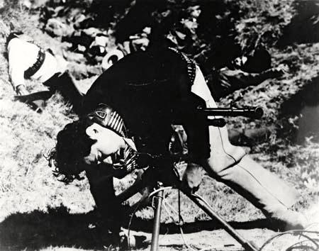 Raúl de Anda en un still de la película