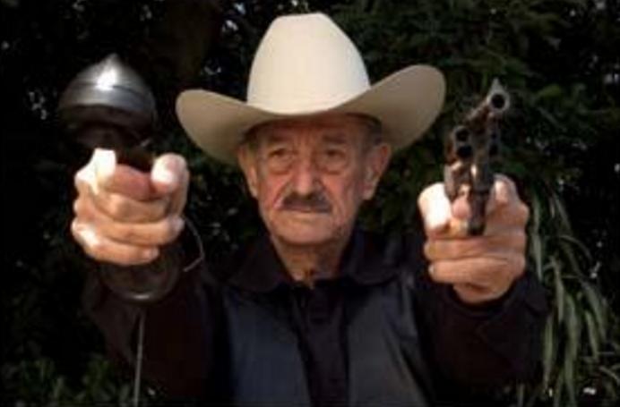 Don Mario Almada.