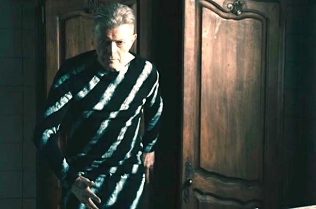 David-Bowie-Lazarus-vid-2016-billboard-650