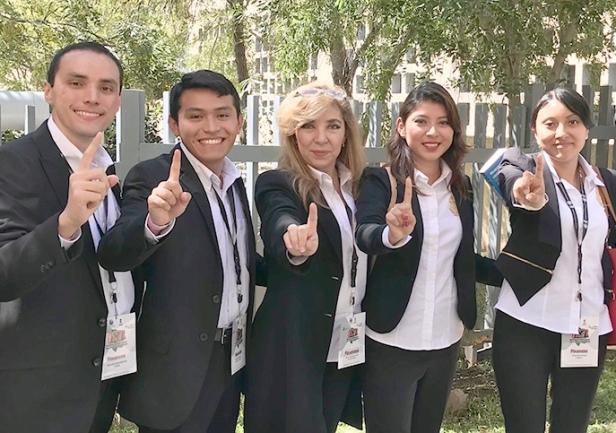 Alumnos de la UADY